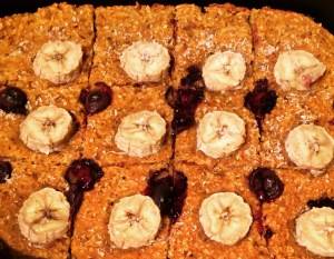 Healthy vegan Carrot Banana Blueberry Ontbijtcake